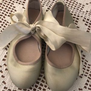 Jacadi girls gold leather shoes ribbon tie size 25